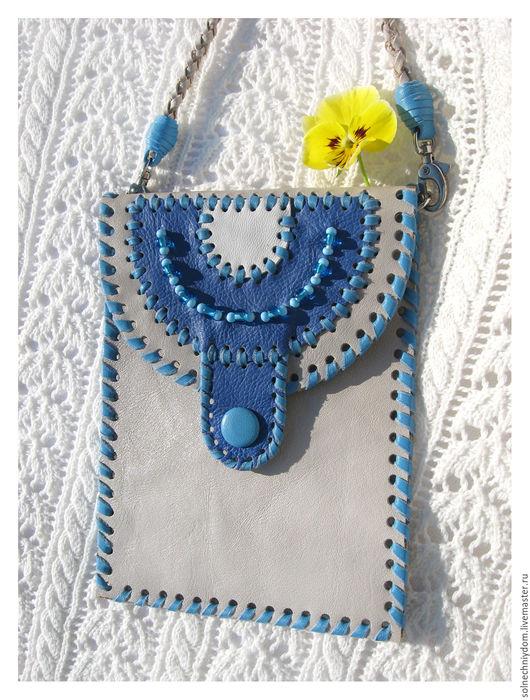 """Для телефонов ручной работы. Ярмарка Мастеров - ручная работа. Купить Сумочка-кармашек """"Незабудка"""", сумочка из натуральной кожи. Handmade."""