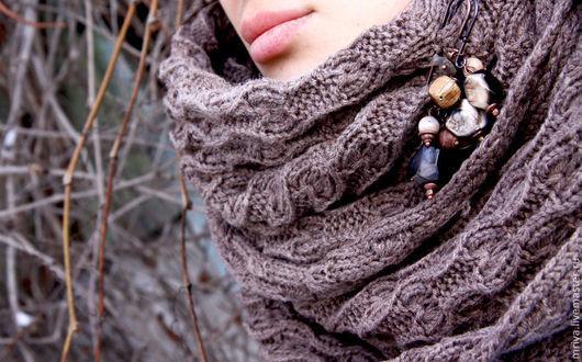 Комплекты аксессуаров ручной работы. Ярмарка Мастеров - ручная работа. Купить Бежевый снуд шарф хомут труба и брошь коричневая из агата,яшмы и дерев. Handmade.