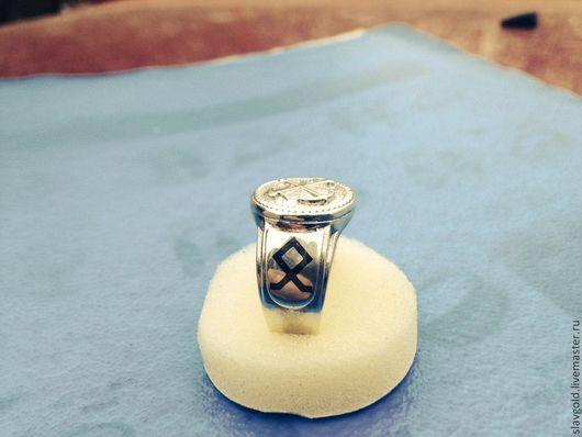 Украшения для мужчин, ручной работы. Ярмарка Мастеров - ручная работа. Купить Мужская печатка из серебра Морская Академия с чернью. Handmade.