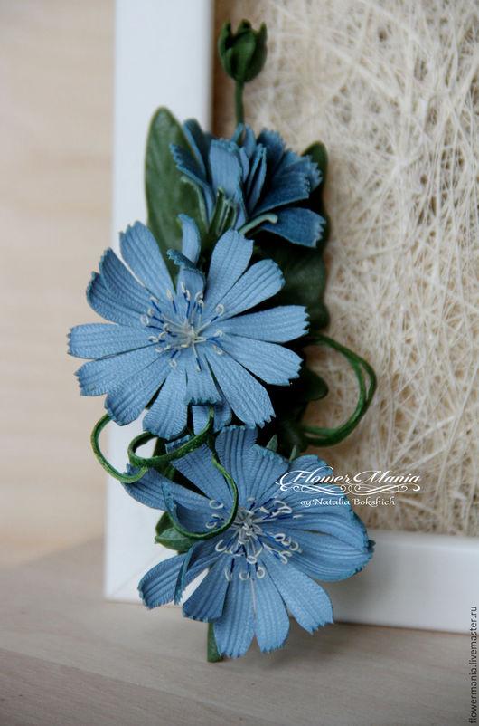 """Броши ручной работы. Ярмарка Мастеров - ручная работа. Купить """"ГОЛУБОЕ НА ГОЛУБОМ"""". Handmade. Голубой, украшение из кожи, flowers"""