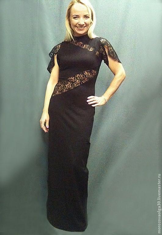Эффектное длинное облегающее платье в пол из плотного и суперэластичного трикотажа Армани  (состав 92 % вискоза, 8% лайкра). Оригинальные рукава-крылья с разрезами и диагональные вставки на груди и т