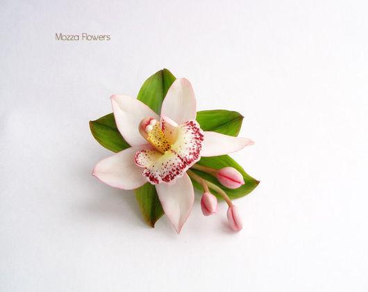 рошка `Орхидея цимбидиум`. Цветы из полимерной глины.
