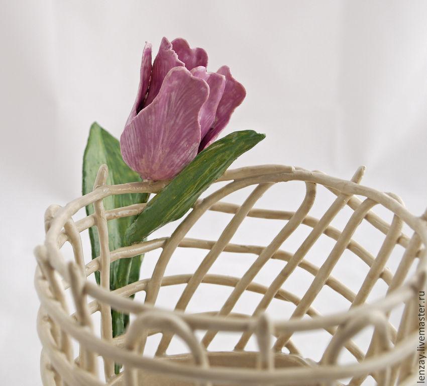 Ваза `Тюльпан`. Плетеная керамика и керамические цветы Елены Зайченко