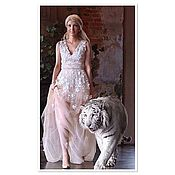 Одежда ручной работы. Ярмарка Мастеров - ручная работа Персиковое платье из фатина в пол, будуарное платье расшито кружевом. Handmade.