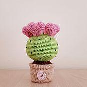 Мини растения, цветы ручной работы. Ярмарка Мастеров - ручная работа Кактус вязаный с сердечками. Handmade.