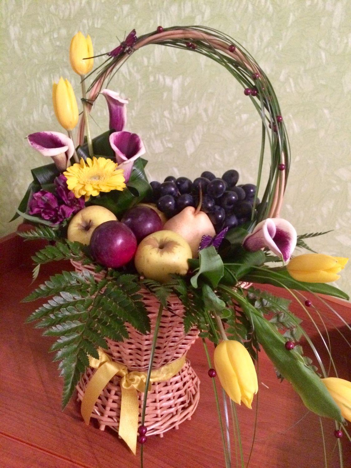 Подарочная композиция из фруктов и цветов, Букеты, Москва, Фото №1