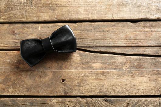 Галстуки, бабочки ручной работы. Ярмарка Мастеров - ручная работа. Купить Кожаная галстук - бабочка ручной работы. Черная галстук - бабочка. Handmade.