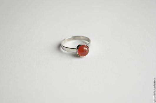 """Кольца ручной работы. Ярмарка Мастеров - ручная работа. Купить """"Рябина"""" колечко с красным агатом. Handmade. Ярко-красный, кольцо"""