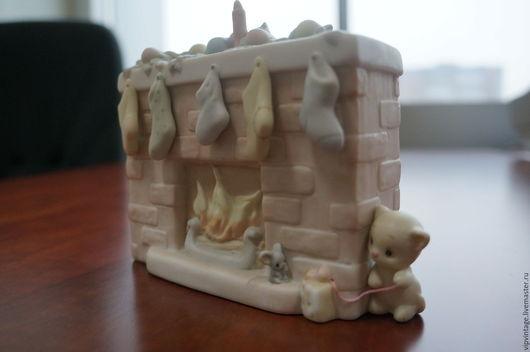 Винтажные куклы и игрушки. Ярмарка Мастеров - ручная работа. Купить Винтажная фарфоровая фигурка  PRECIOUS MOMENTS Котик у камина. Handmade.