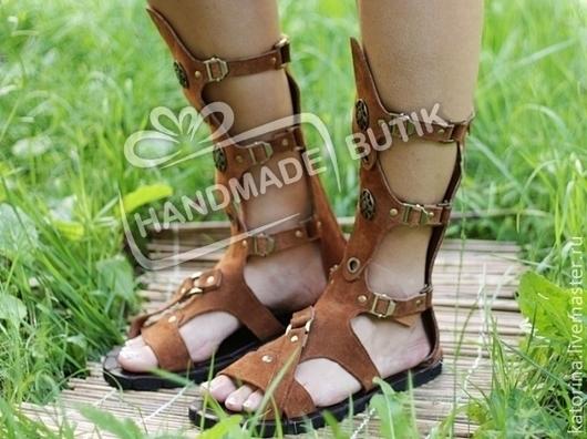 Эта модель унисекс выполнена  нами специально для тех, кто любит носить летнюю обувь Без перепонки между пальцев!