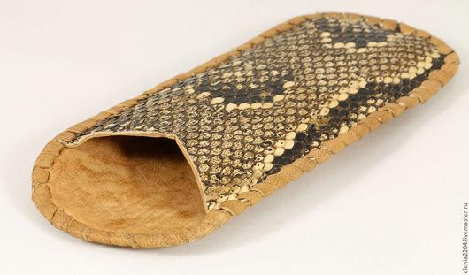 """Футляры, очечники ручной работы. Ярмарка Мастеров - ручная работа. Купить Футляр для очков  из натуральной кожи змеи """"Sadio"""". Handmade."""
