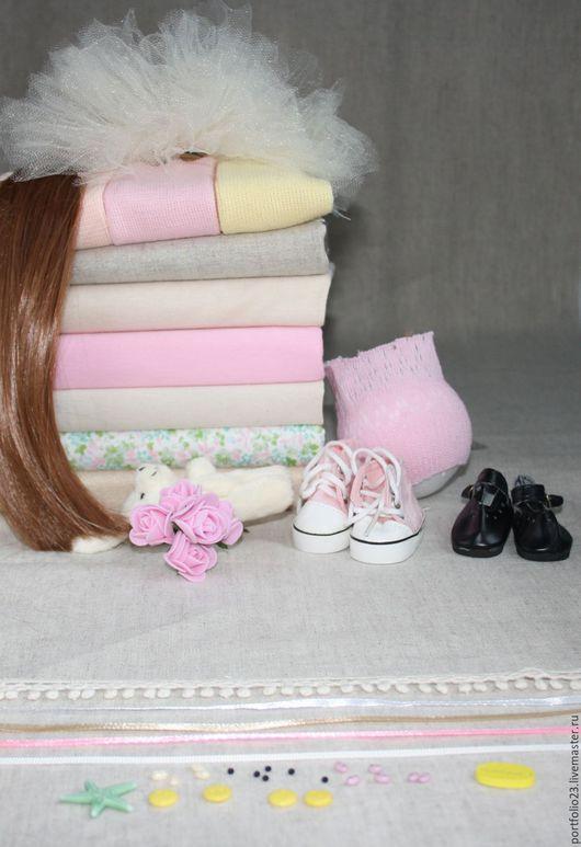 Подбор материалов для пошива куклы №15.2 `Яблоки : цветение и солнечный свет`