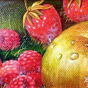 Картины и панно handmade. Livemaster - original item The author`s picture of Raspberries, strawberries and Apple. Handmade.