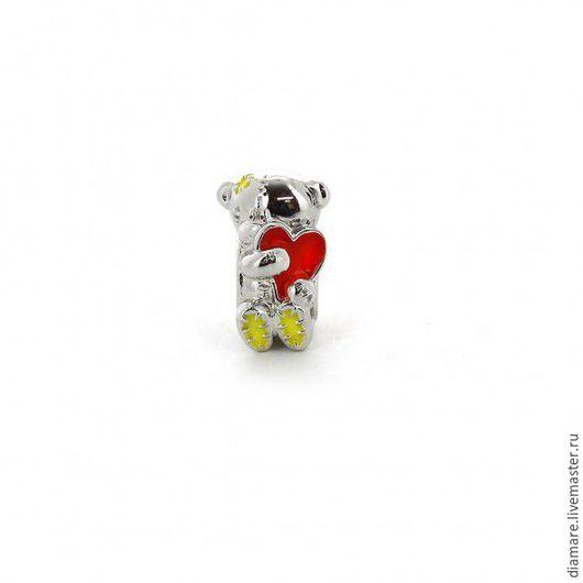 Арт. 05-0056. Серебряный  шарм `Мишка Teddy с сердцем`