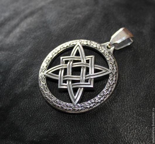 Сварогов квадрат в дубовом венке - символ Бога Сварога, серебро 13 гр., 35 мм, выпуклый