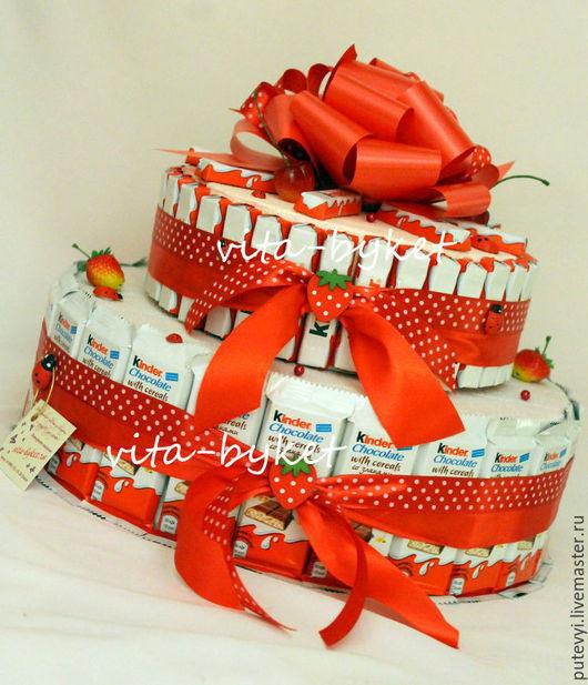 Персональные подарки ручной работы. Ярмарка Мастеров - ручная работа. Купить ТОРТ ИЗ КИНДЕРОВ, торт из конфет ребенку, киндер-сюрприз тортик. Handmade.