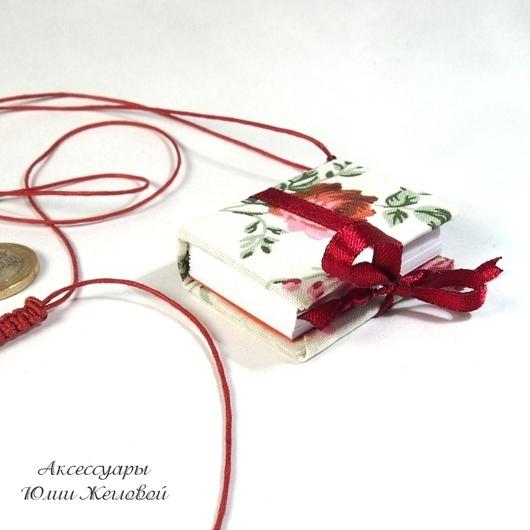 """Кулоны, подвески ручной работы. Ярмарка Мастеров - ручная работа. Купить Мини-книга - кулон """"Секрет красной розы"""". Handmade."""