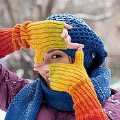Аксессуары ручной работы. Ярмарка Мастеров - ручная работа Митенки вязаные красные (оттенки оранжевого, синего, зеленого) зима. Handmade.