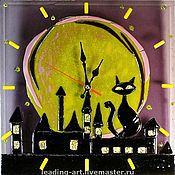 """Для дома и интерьера ручной работы. Ярмарка Мастеров - ручная работа Часы в технике фьюзинг """"Кот на крыше"""". Handmade."""