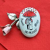 """Свадебный салон ручной работы. Ярмарка Мастеров - ручная работа """"Под зонтом"""" камушек-магнит. Handmade."""