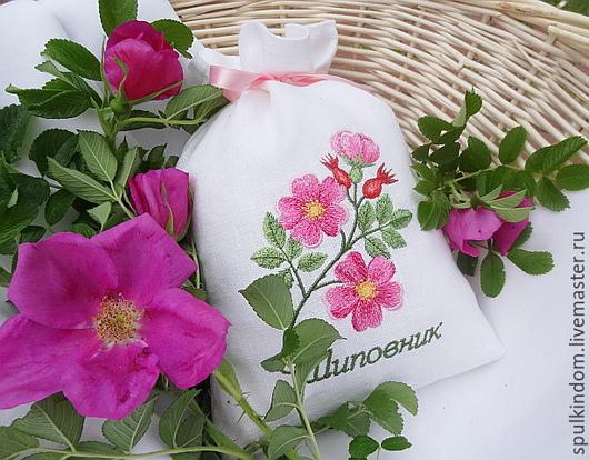 Льняной мешочек с вышивкой `Шиповник`  `Шпулькин дом` мастерская вышивки