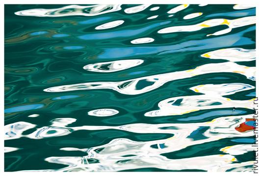 Абстрактная морская фотокартина «Море любит паруса. Этюд I» для современного интерьера в ярких бирюзовых, белых и голубых цветах. Постер из серии «Море любит паруса. Этюды» © Ануфриева Елена