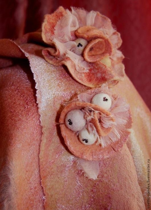 Шарфы и шарфики ручной работы. Ярмарка Мастеров - ручная работа. Купить Палантин и берет. Комплект валяный нуновойлок. Игра в БОХО. Персик. Handmade.