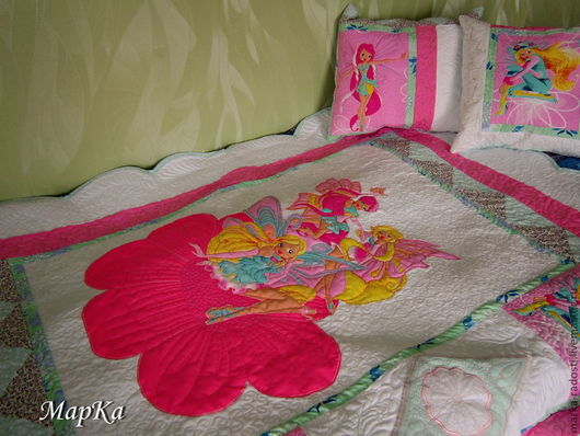 """Пледы и одеяла ручной работы. Ярмарка Мастеров - ручная работа. Купить Детское лоскутное одеяло-покрывало """"Феи"""" + две подушки. Handmade."""