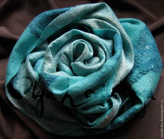 Шарфы и шарфики ручной работы. Ярмарка Мастеров - ручная работа. Купить Большой теплый красивый шерстяной войлочный шарф, палантин голубой. Handmade.