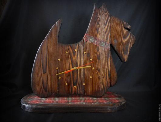 """Часы для дома ручной работы. Ярмарка Мастеров - ручная работа. Купить Часы """"Шотландский-терьер"""". Handmade. Коричневый, браширование, брашировка"""