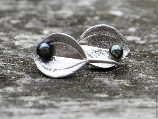 Серьги ручной работы. Ярмарка Мастеров - ручная работа. Купить Серебряные серьги Лепесток. Handmade. Купить сережки, черный жемчуг