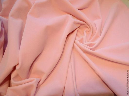 Нежный светло-розовый бархат, натуральная хлопковая основа. Производство Италия.