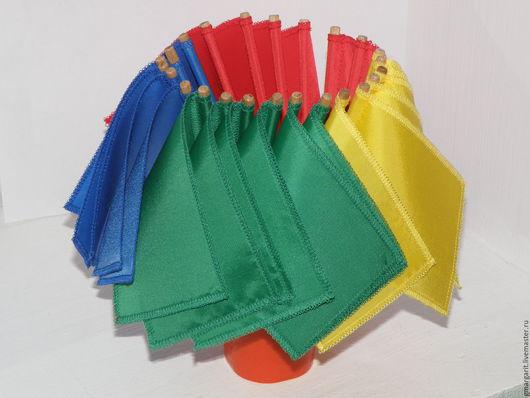 Яркие цвета привлекут внимание любого малыша. Ткань неприхотлива в обиходе, легко стирается и не сильно мнётся.