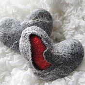 """Подарки к праздникам ручной работы. Ярмарка Мастеров - ручная работа """"Каменное"""" сердце валяное.. Handmade."""