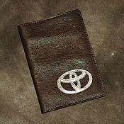 Ложки ручной работы. Ярмарка Мастеров - ручная работа Обложка Toyota на документы из натуральной кожи со знаком. Handmade.