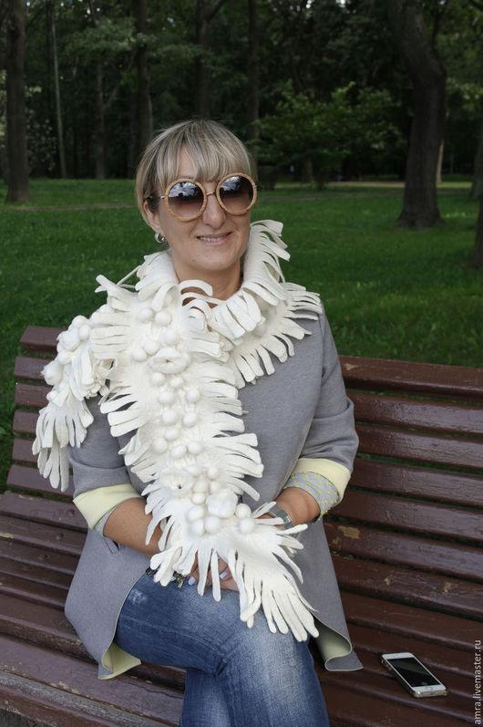 Шарфы и шарфики ручной работы. Ярмарка Мастеров - ручная работа. Купить Белый шарф-боа. Handmade. Белый, шарф валяный