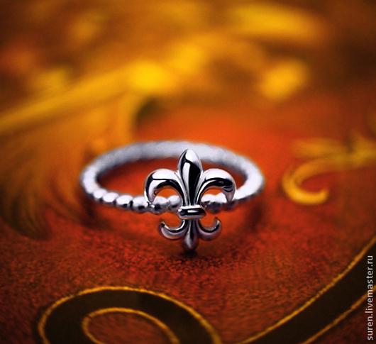 Кольца ручной работы. Ярмарка Мастеров - ручная работа. Купить Кольцо Лилия. Handmade. Серебряный, геральдическая лилия, кольцо лилия