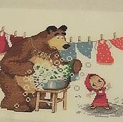 """Для дома и интерьера ручной работы. Ярмарка Мастеров - ручная работа Вышитая картина """"Маша и Медведь. Большая стирка."""". Handmade."""