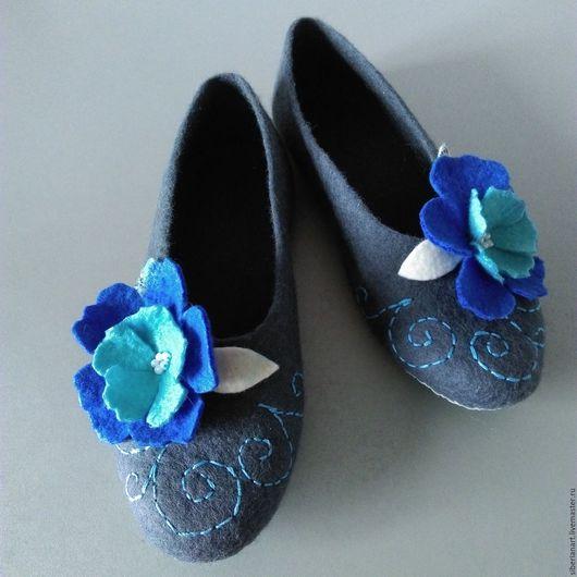 """Обувь ручной работы. Ярмарка Мастеров - ручная работа. Купить Тапочки валяные """" Глубокий  серый """". Handmade."""