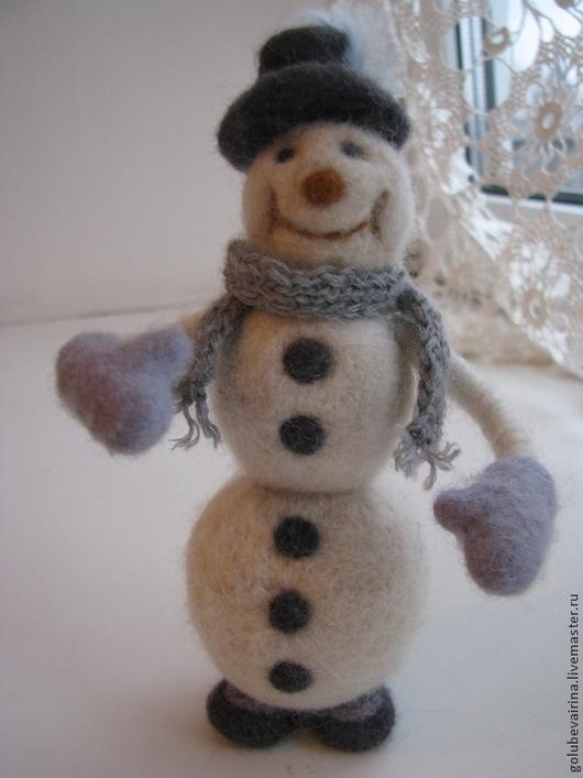 Коллекционные куклы ручной работы. Ярмарка Мастеров - ручная работа. Купить снеговичок. Handmade. Белый, валяная игрушка, шерсть 100%