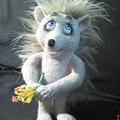 Куклы и игрушки ручной работы. Ярмарка Мастеров - ручная работа Застенчивая Ежиха валяная игрушка. Handmade.