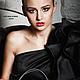 Коллекционная вечерняя кожаная сумочка с вышивкой Swarovski и чешскими бусинами, цвет черный и аметист