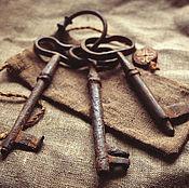 Винтаж ручной работы. Ярмарка Мастеров - ручная работа Три старинных ключа на связке. Старинные ключи второй половины 19 в.. Handmade.