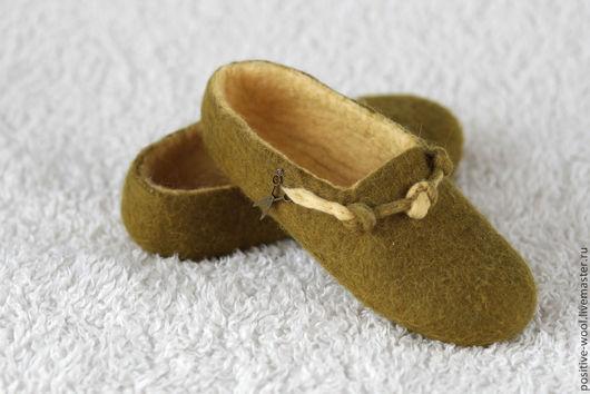 Обувь ручной работы. Ярмарка Мастеров - ручная работа. Купить Тапочки из войлока. Handmade. Оливковый, ручная работа, валяные тапочки