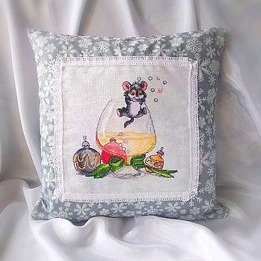 Текстиль ручной работы. Ярмарка Мастеров - ручная работа Новогодняя подушка. Handmade.