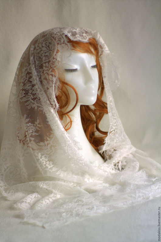 Палантин, подчеркнет  женственность и нежность. Подойдет для венчания. Очень нежный молочный цвет- теплый оттенок белого. Подойдет на крещения детей.  Можно носить летним днем с повседневной одеждой.