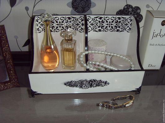 Корзины, коробы ручной работы. Ярмарка Мастеров - ручная работа. Купить Короб для парфюма деревянный декупаж белый - черный цвет. Handmade.