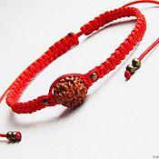 Браслет-нить ручной работы. Ярмарка Мастеров - ручная работа Браслет в тибетском стиле Красная нить с рудракшей. Handmade.