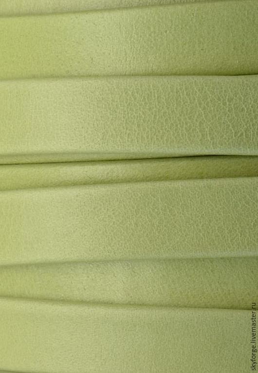 Для украшений ручной работы. Ярмарка Мастеров - ручная работа. Купить Кожаный шнур плоский 10x2 мм Denver, светлый жёлто-зелёный. Handmade.