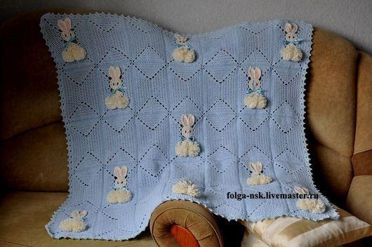 Пледы и одеяла ручной работы. Ярмарка Мастеров - ручная работа. Купить Голубой плед с зайцами. Handmade. Голубой, плед для новорожденного